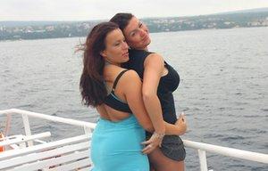 Lesbian Humping